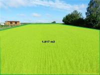 Nabízíme zasíťovaný pozemek v obci Deštná