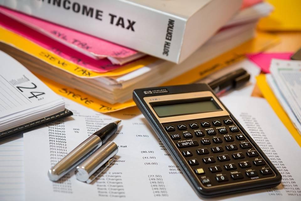 Odklad daňového přiznání v článku od Remax One Tábor